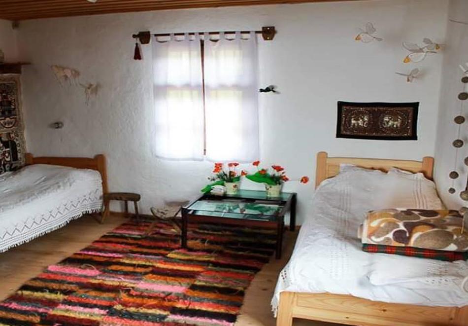 Нощувка за ДВАМА в къща за гости  Дими, Лещен, снимка 5