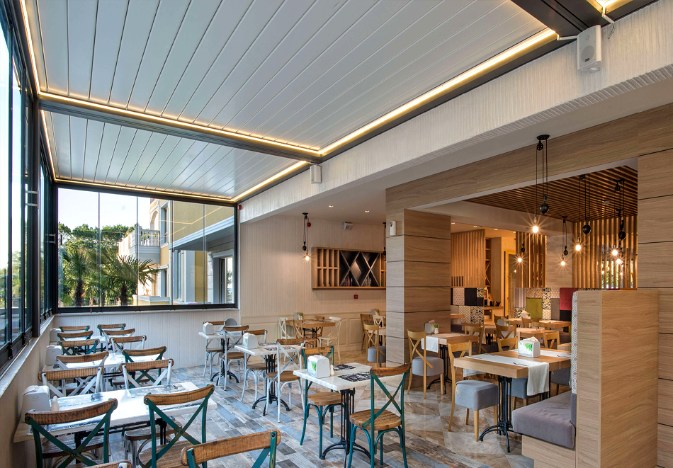 3+ нощувки на човек + басейн, шезлонг и чадър на плажа от хотел Марина Сендс**** на 50м. от морето в Обзор, снимка 11