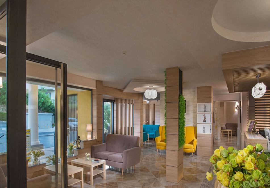 3+ нощувки на човек + басейн, шезлонг и чадър на плажа от хотел Марина Сендс**** на 50м. от морето в Обзор, снимка 13