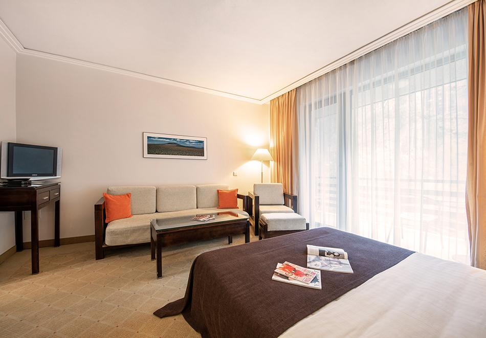 Март във Велинград! Нощувка на човек със закуска + 2 минерални басейна и СПА пакет в хотел Велина****, снимка 15