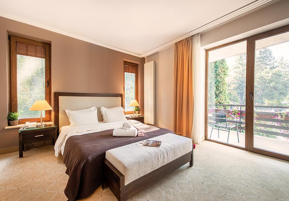 Делник във Велинград! Нощувка на човек със закуска + 2 минерални басейна и СПА пакет в хотел Велина****, снимка 12