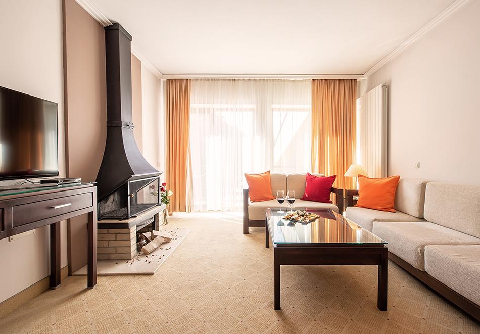 Делник във Велинград! Нощувка на човек със закуска + 2 минерални басейна и СПА пакет в хотел Велина****, снимка 16