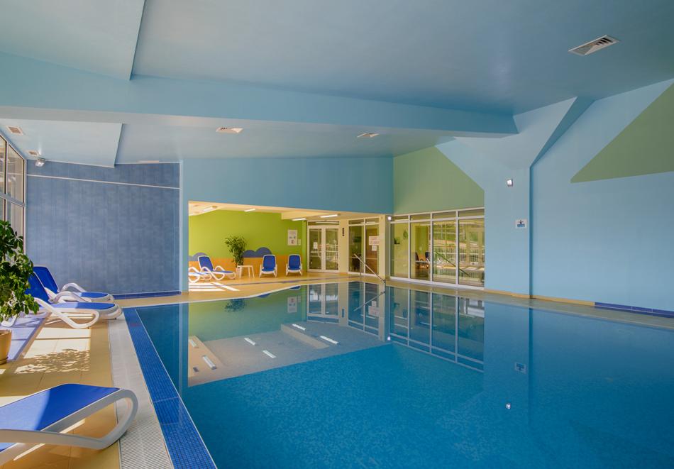 Нощувка на човек със закуска + басейн в хотел Мадара****, Златни пясъци . Дете до 12г. - безплатно, снимка 12