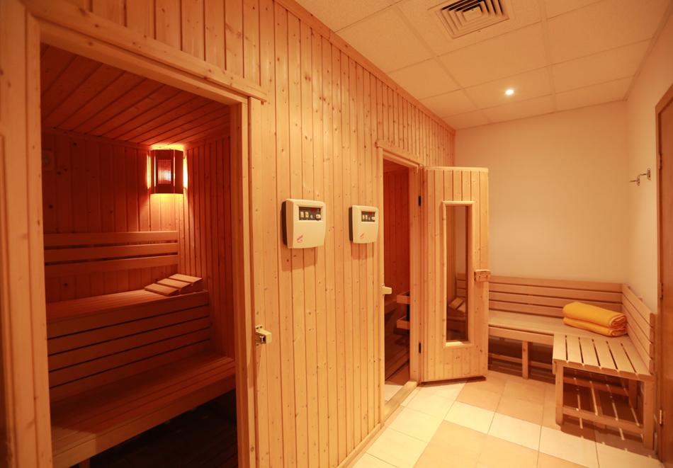 Нощувка на човек със закуска + басейн в хотел Мадара****, Златни пясъци . Дете до 12г. - безплатно, снимка 13