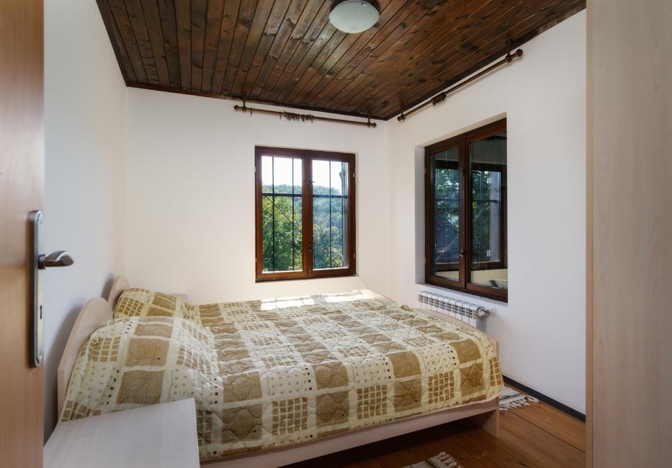 4 нощувки в напълно оборудвана и обзаведена къща от Старата ковачница, с. Згурово, обл. Кюстендил, снимка 9