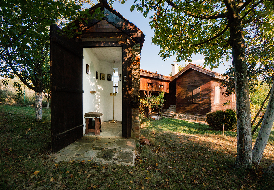Почивка до Кюстендил! Нощувка до 7 човека в напълно оборудвана и обзаведена къща от Старата ковачница, с. Згурово, снимка 8