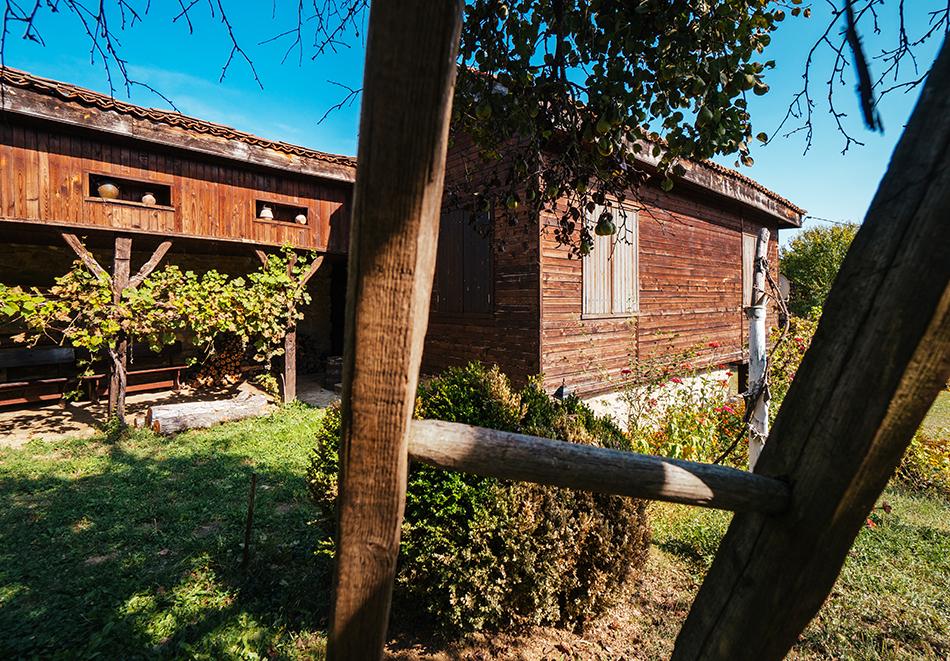 4 нощувки в напълно оборудвана и обзаведена къща от Старата ковачница, с. Згурово, обл. Кюстендил, снимка 6