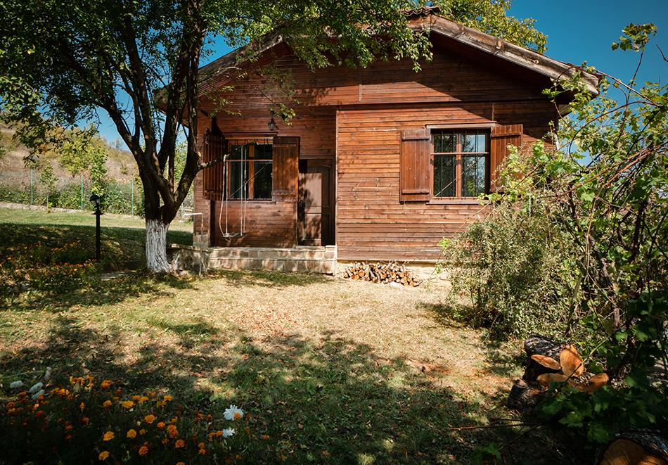 4 нощувки в напълно оборудвана и обзаведена къща от Старата ковачница, с. Згурово, обл. Кюстендил, снимка 11