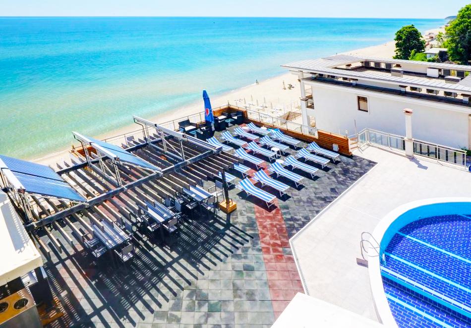 Нощувка на човек на база All Inclusive + басейн, чадър и шезлонг на плажа на 1-ва линия в хотел Парайзо Бийч, Обзор, снимка 13