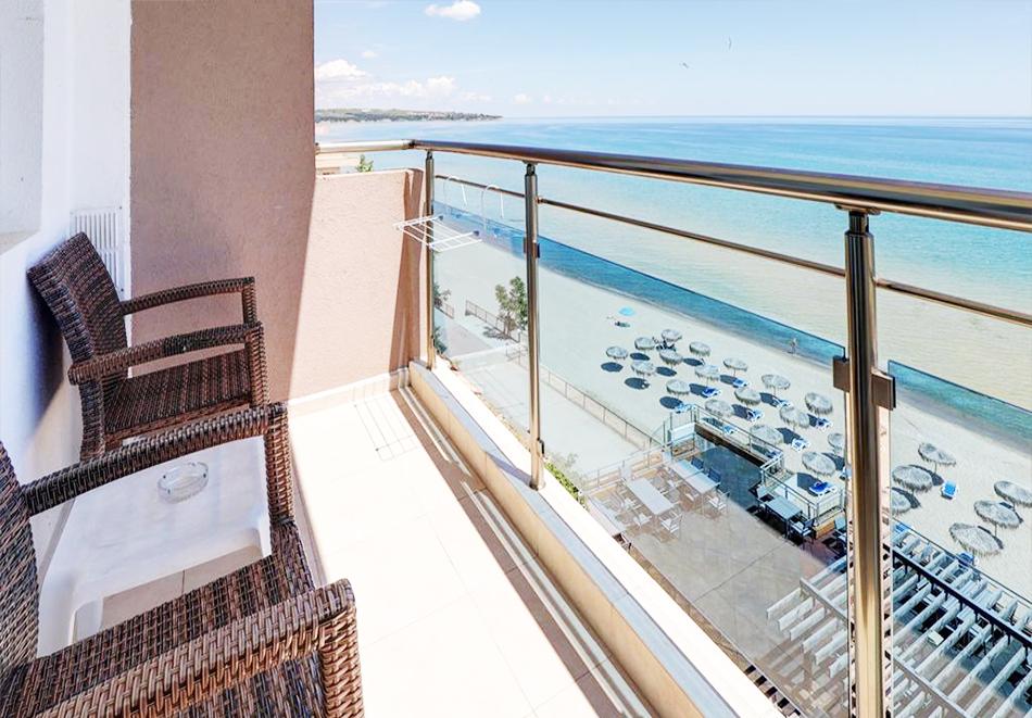 Нощувка на човек на база All Inclusive + басейн, чадър и шезлонг на плажа на 1-ва линия в хотел Парайзо Бийч, Обзор, снимка 7