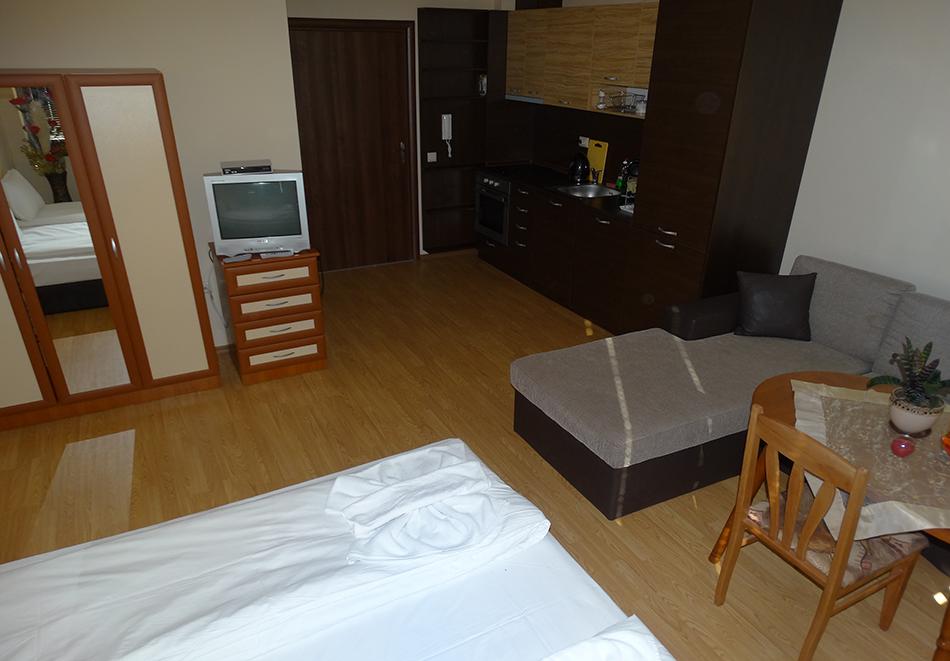 Апартаментен комплекс Шато Дел Марина, между Равда и Несебър, снимка 35