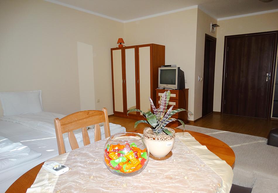 Апартаментен комплекс Шато Дел Марина, между Равда и Несебър, снимка 33