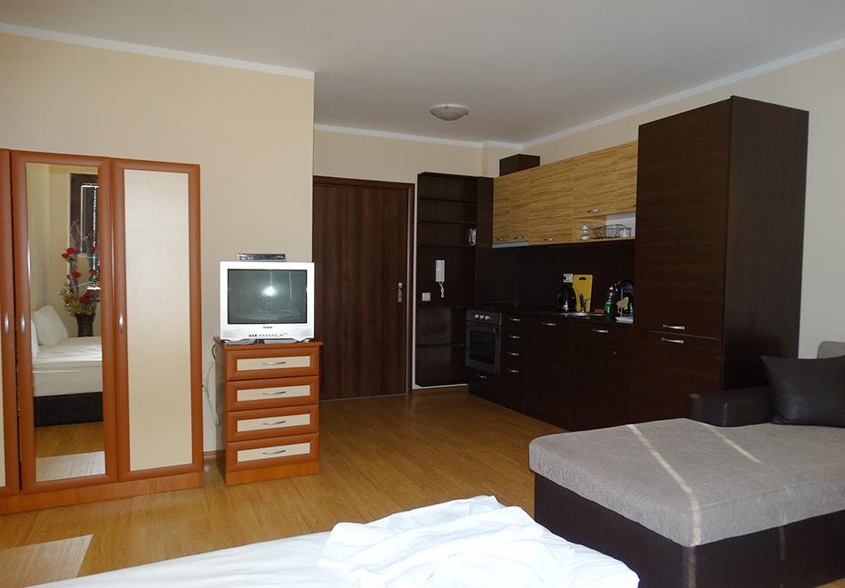 Апартаментен комплекс Шато Дел Марина, между Равда и Несебър, снимка 19