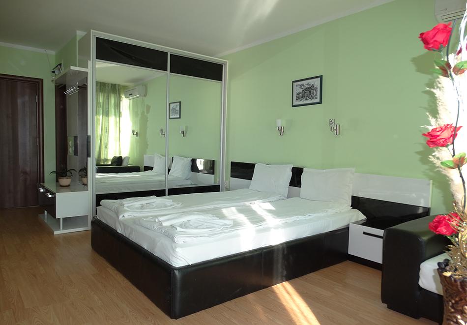 Апартаментен комплекс Шато Дел Марина, между Равда и Несебър, снимка 27