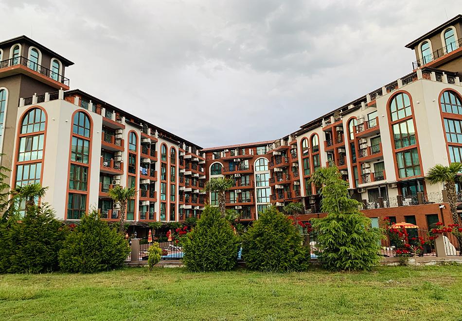 Апартаментен комплекс Шато Дел Марина, между Равда и Несебър, снимка 3