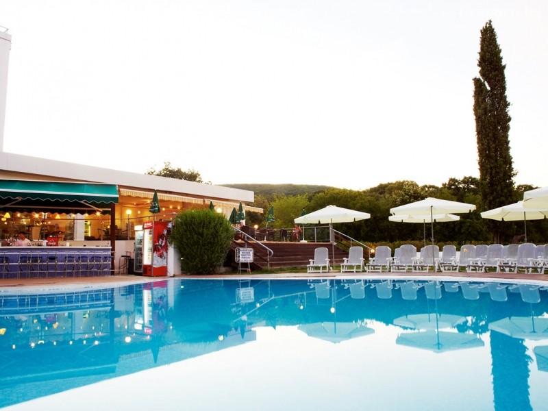 Нощувка на човек на база All Inclusive + басейн в хотел Грийн Парк, Златни пясъци. Дете до 12г. - БЕЗПЛАТНО!, снимка 6