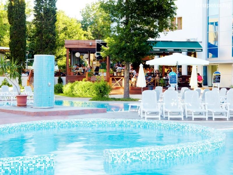 Нощувка на човек на база All Inclusive + басейн от хотел Грийн Парк, Златни пясъци. Дете до 12г. - БЕЗПЛАТНО!, снимка 4