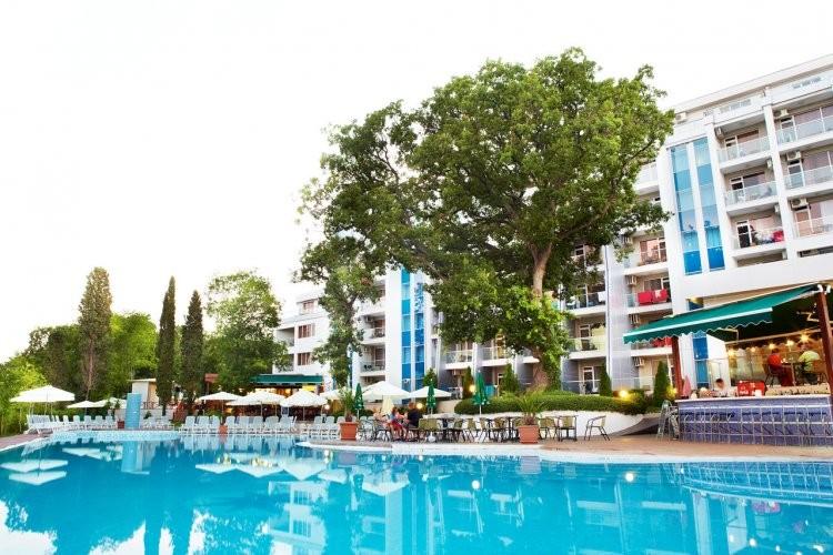 Нощувка на човек на база All Inclusive + басейн в хотел Грийн Парк, Златни пясъци. Дете до 12г. - БЕЗПЛАТНО!, снимка 5