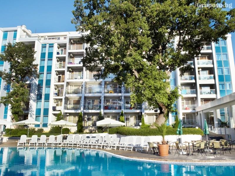 Нощувка на човек на база All Inclusive + басейн от хотел Грийн Парк, Златни пясъци. Дете до 12г. - БЕЗПЛАТНО!, снимка 3