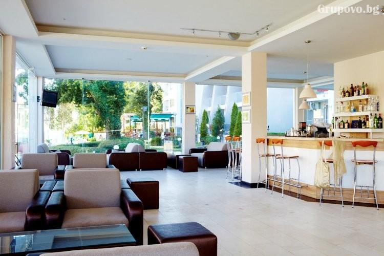 Нощувка на човек на база All Inclusive + басейн от хотел Грийн Парк, Златни пясъци. Дете до 12г. - БЕЗПЛАТНО!, снимка 5