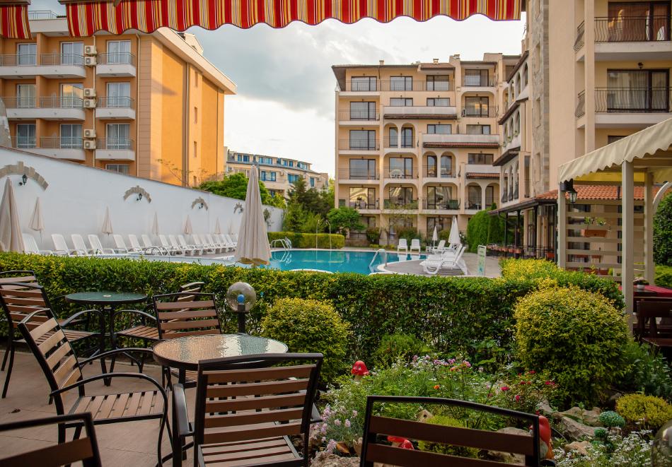 1, 2, 3 или 7 нощувки на човек в апартамент + басейн в апартхотел Роуз Вилидж, Сл. Бряг. На 150м. от плажа, снимка 4