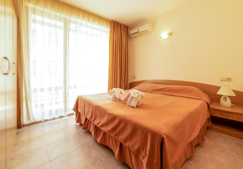 1, 2, 3 или 7 нощувки на човек в апартамент + басейн в апартхотел Роуз Вилидж, Сл. Бряг. На 150м. от плажа, снимка 11