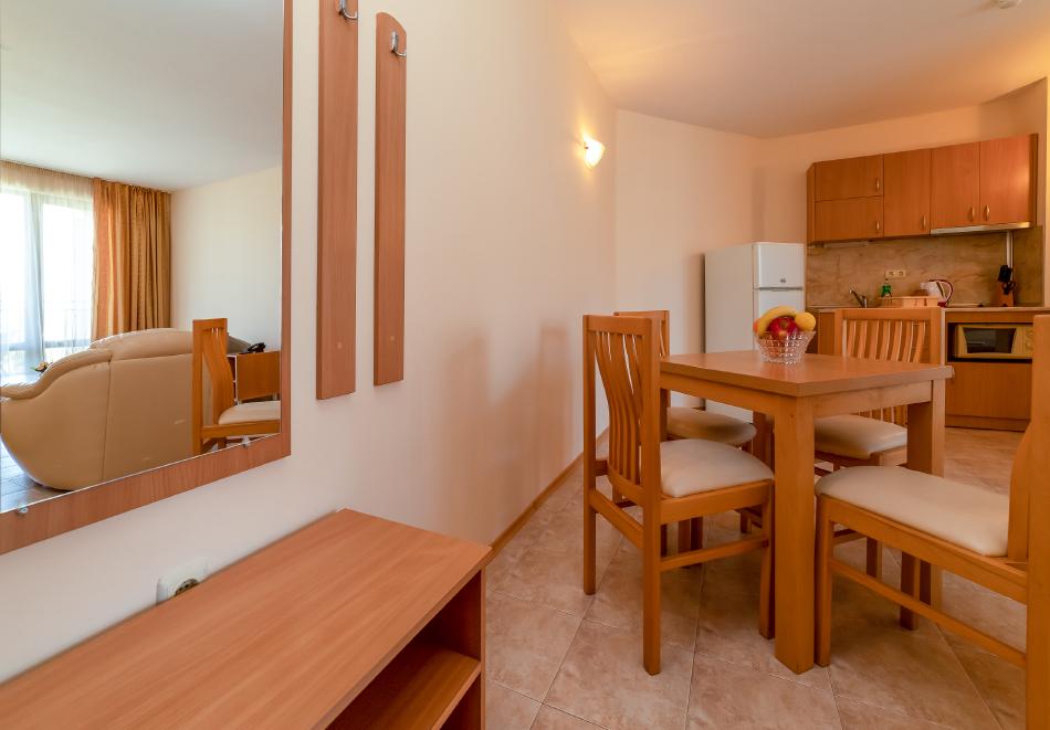1, 2, 3 или 7 нощувки на човек в апартамент + басейн в апартхотел Роуз Вилидж, Сл. Бряг. На 150м. от плажа, снимка 9