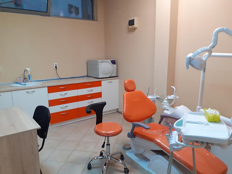 Металокерамична коронка от висококачествен материал + преглед на зъбите и изготвяне на план за лечение от Дентален кабинет д-р Снежина Цекова, снимка 7