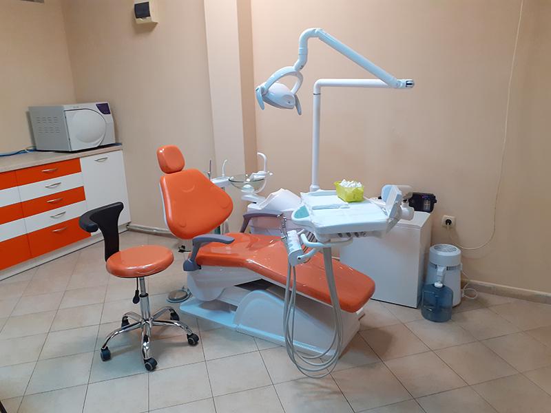 Металокерамична коронка от висококачествен материал + преглед на зъбите и изготвяне на план за лечение от Дентален кабинет д-р Снежина Цекова, снимка 3