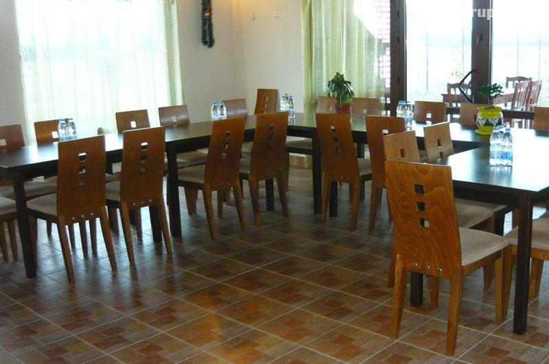 Почивка в Павел баня! Нощувка за двама, трима или четирима със закуска и вечеря + басейн с минерална вода и сауна от комплекс Бендида Вилидж, снимка 8