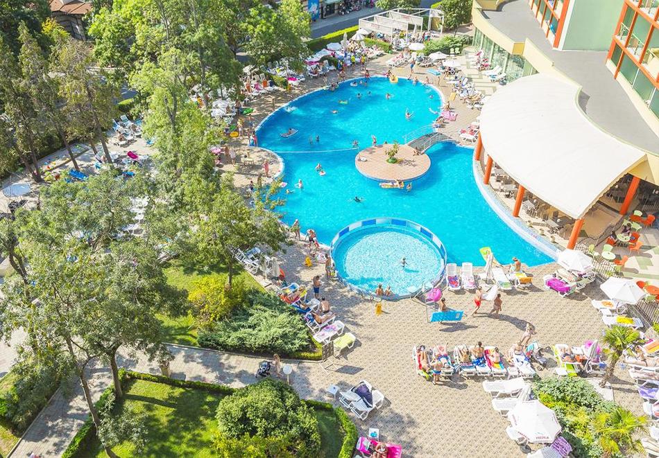 Нощувка на човек на база All Inclusive Premium + басейн от МПМ хотел МПМ Калина Гардън в Слънчев бряг, снимка 4