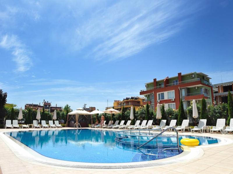 5 или 7 нощувки на човек със закуски и вечери*  + басейн в хотел Ирис***, Несебър на 100 метра от плажа, снимка 5