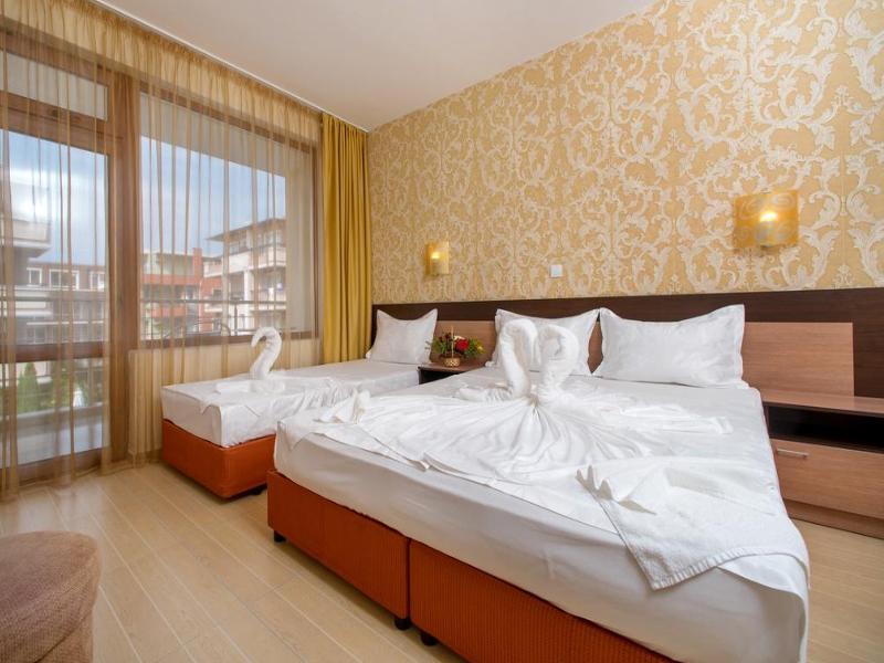 5 или 7 нощувки на човек със закуски и вечери*  + басейн в хотел Ирис***, Несебър на 100 метра от плажа, снимка 7