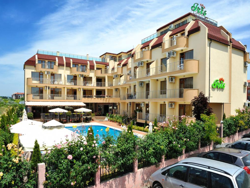 5 или 7 нощувки на човек със закуски и вечери*  + басейн в хотел Ирис***, Несебър на 100 метра от плажа, снимка 6