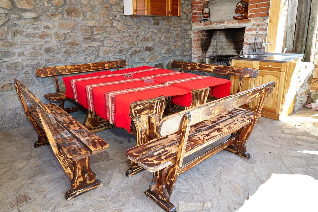 Нощувка до 6-ма или наем на цялата къща до 25 човека от Възрожденски къщи, с. Манастир, до Пловдив, снимка 3