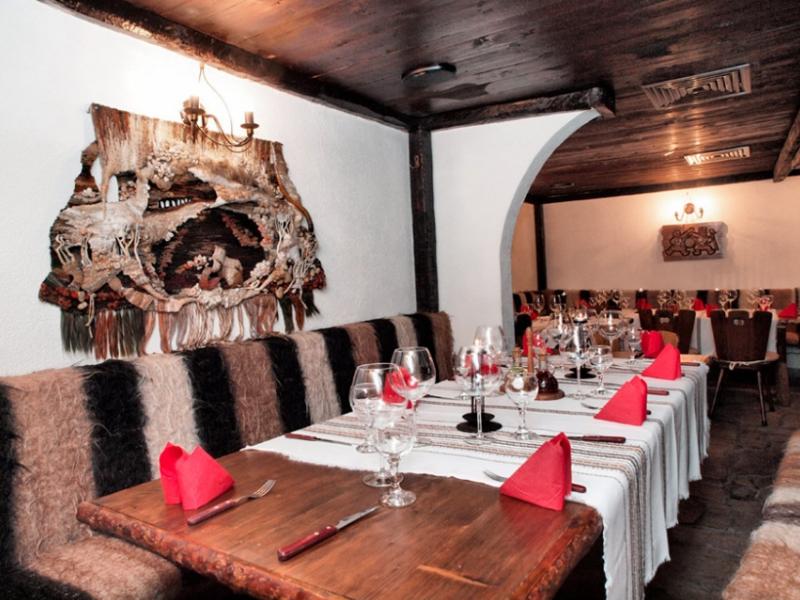 Почивка в центъра на Банско! Нощувка на човек със закуска и вечеря в хотел и механа Момини двори, снимка 26