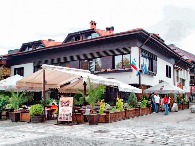Почивка в центъра на Банско! Нощувка на човек със закуска и вечеря + сауна в хотел и механа Момини двори, снимка 2