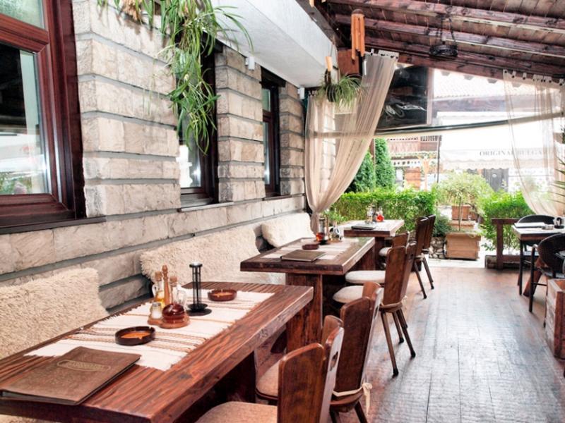 Почивка в центъра на Банско! Нощувка на човек със закуска и вечеря в хотел и механа Момини двори, снимка 19