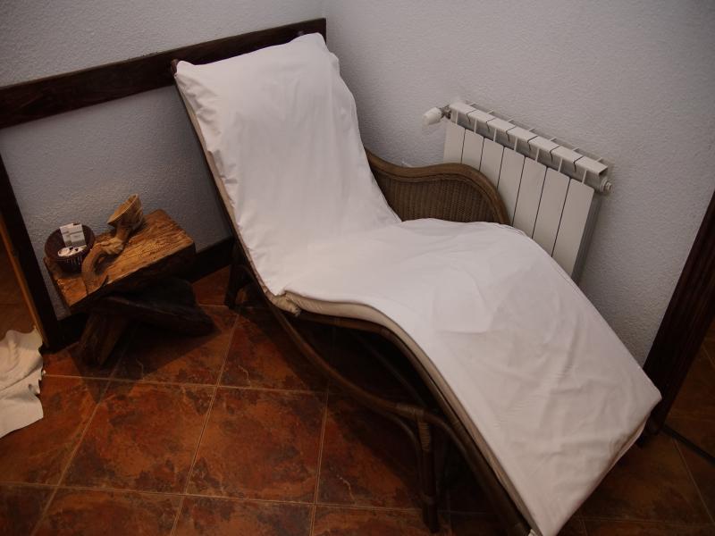 Почивка в центъра на Банско! Нощувка на човек със закуска и вечеря + сауна в хотел и механа Момини двори, снимка 5