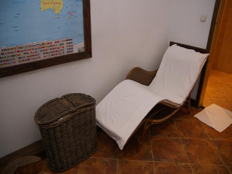 Почивка в центъра на Банско! Нощувка на човек със закуска и вечеря + сауна в хотел и механа Момини двори, снимка 7