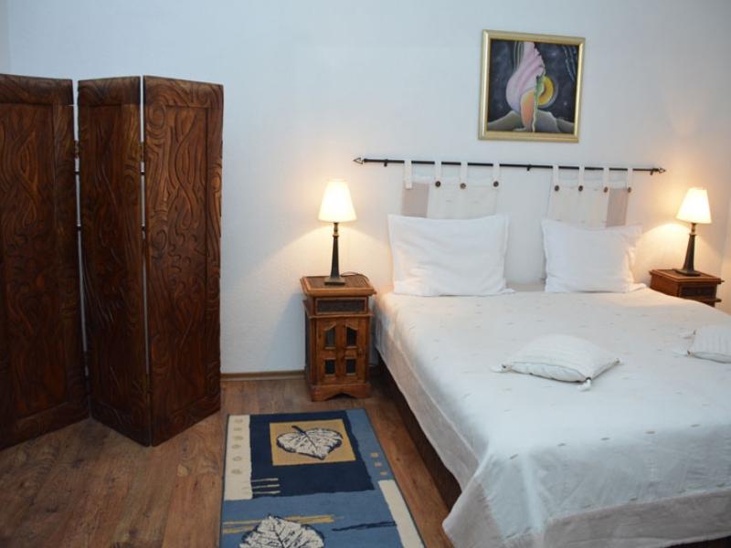Почивка в центъра на Банско! Нощувка на човек със закуска и вечеря + сауна в хотел и механа Момини двори, снимка 16