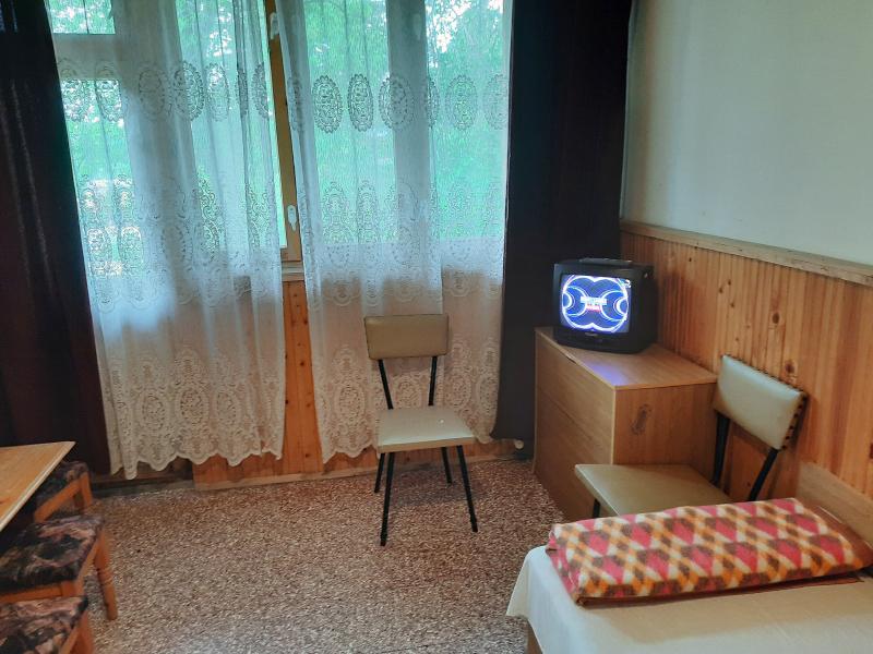 Нощувка на човек в бунгала Русе, Кранево, снимка 3