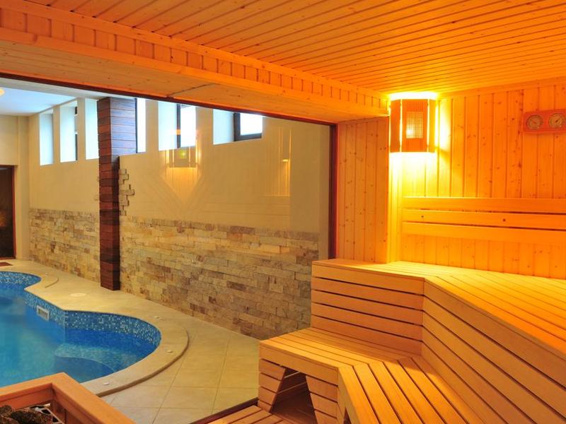 Май в Арбанаси! Нощувка на човек със закуска и вечеря + вътрешен релакс басейн, джакузи и парна баня в хотел Винпалас, снимка 4