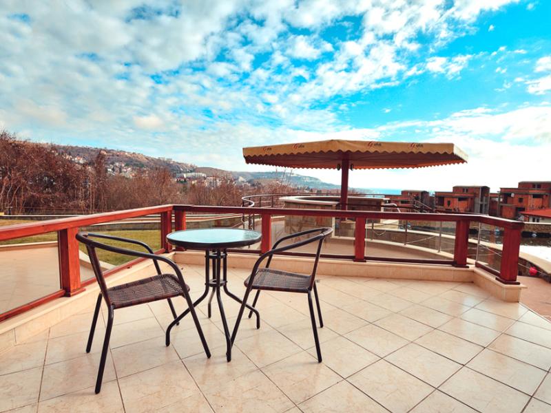 2+ нощувки за двама, четирима или шестима + басейн в хотелски комплекс Гардън Палас, Балчик, снимка 17