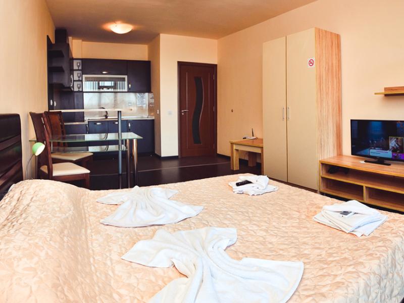 2+ нощувки за двама, четирима или шестима + басейн в хотелски комплекс Гардън Палас, Балчик, снимка 19