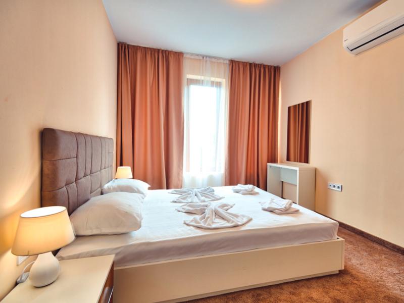 2+ нощувки за двама, четирима или шестима + басейн в хотелски комплекс Гардън Палас, Балчик, снимка 12