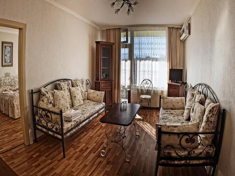 Нощувка със закуска за ДВАМА + външен и вътрешен басейн с гореща минерална вода и сауна от хотел Виталис, Пчелински бани, до Костенец, снимка 19