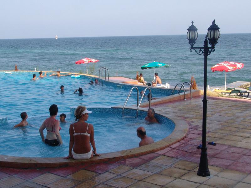 3, 4 или 5 нощувки на човек + басейн с морска вода + процедури в Интерхотел Поморие, Поморие, снимка 8