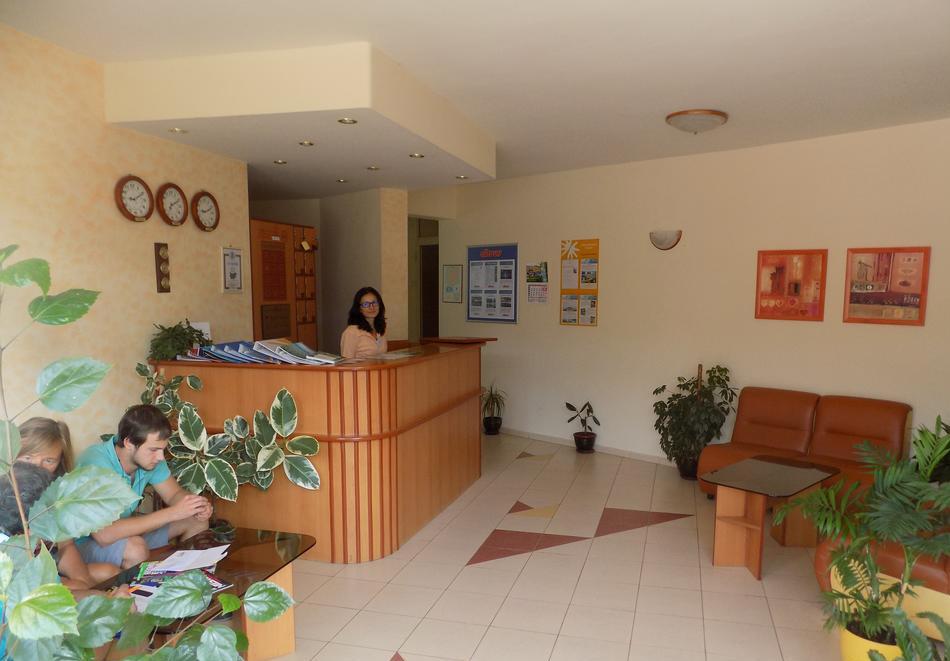 1 или 2 нощувки на човек със закуски + басейн в хотел Сирена, Кранево, снимка 12