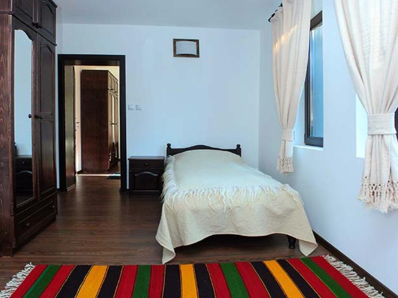Нощувка на човек в къща за гости Топалови, Златоград, снимка 9